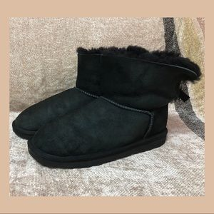 UGG Australia Women's Black Boots With Bailey Bow